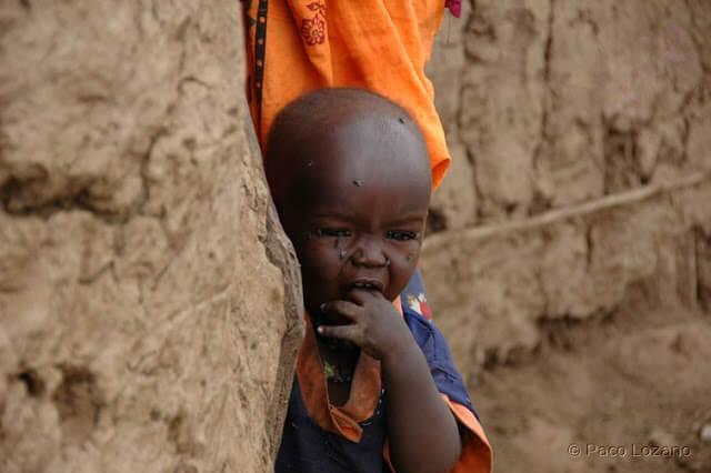 Niño masai en Amboseli