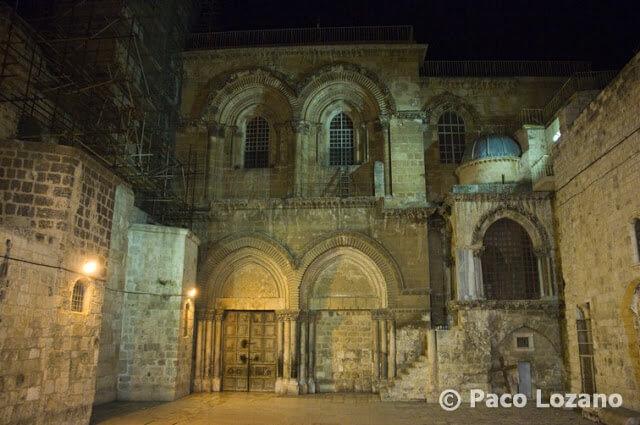 La escalera del Santo Sepulcro