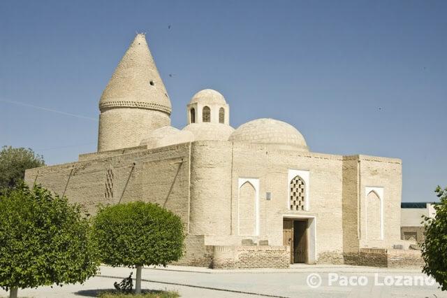 Mausoleo Chashma Ayub en Bujará, Uzbekistán