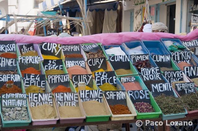 Especias en el zoco de Douz, Túnez