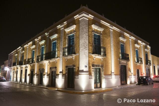 Paseando de noche por la ciudad de Campeche