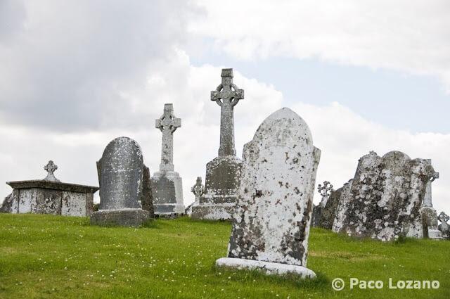 Cementerio en Clonmacnoise, Irlanda