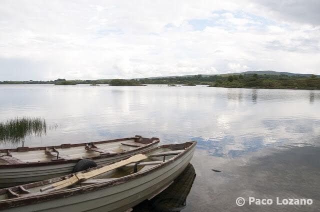 Lago en Connemara, Irlanda