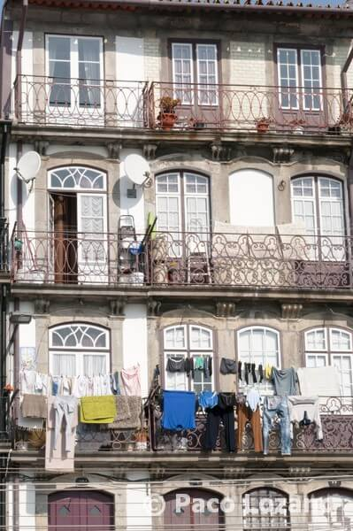 Balcones en Cais da Ribeira, Oporto