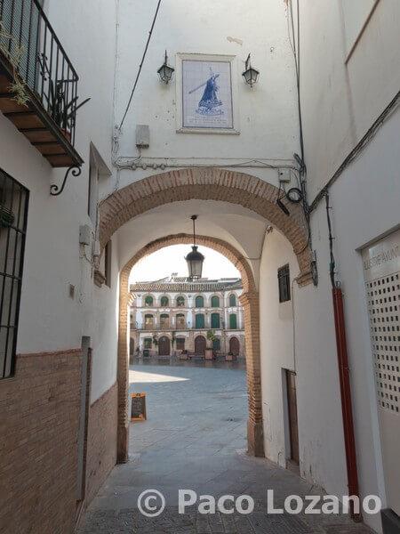 Archidona: uno de los accesos a la Plaza Ochavada