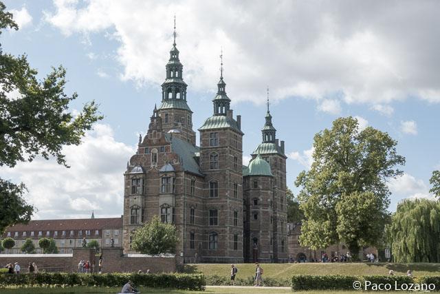 El palacio de Rosenborg, en el circuito por Copenhague